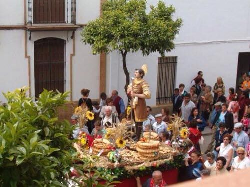 San Isidro acompaña al agricultor