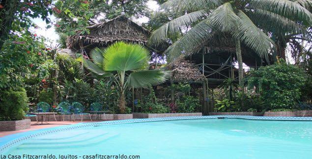 La Casa Fitzcarraldo, hotel que marcó historia en Iquitos  Dentro de la ciudad ruidosa y caótica de Iquitos, se rescata un pequeño oasis de selva que lo llaman la Casa Fitzcarraldo, una casa de alojamiento, donde puede disfrutar de la naturaleza, la comida, la fauna y flora de la zona.