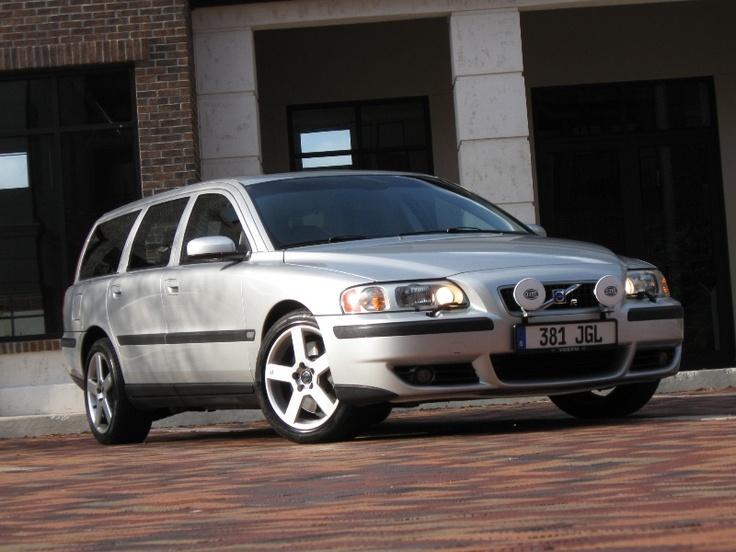 Volvo V70R Silver