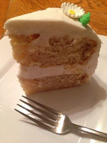 The Comforting Vegan : The Ultimate Vegan Vanilla Cake with Whipped Vanilla Bean Frosting