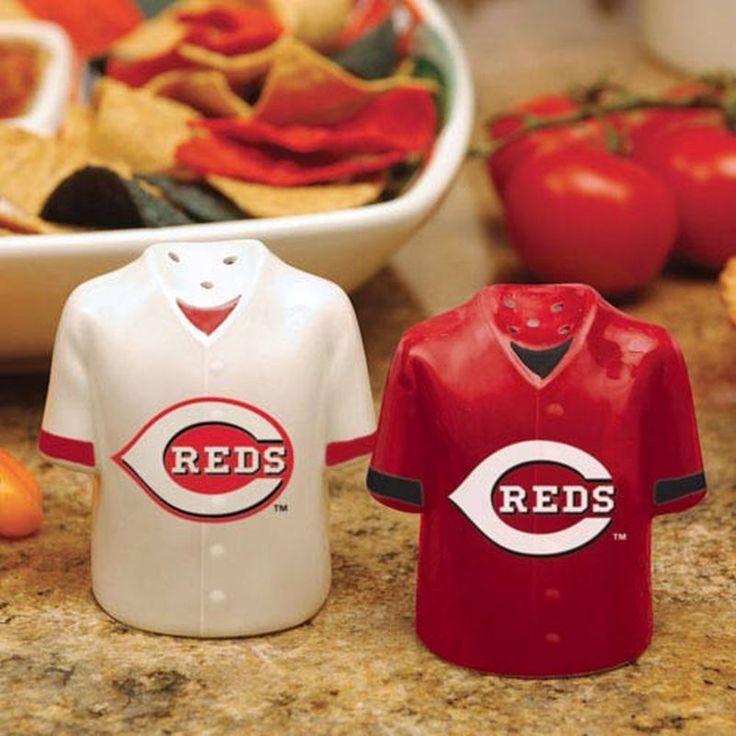 Cincinnati Reds Gameday Ceramic Salt & Pepper Shakers
