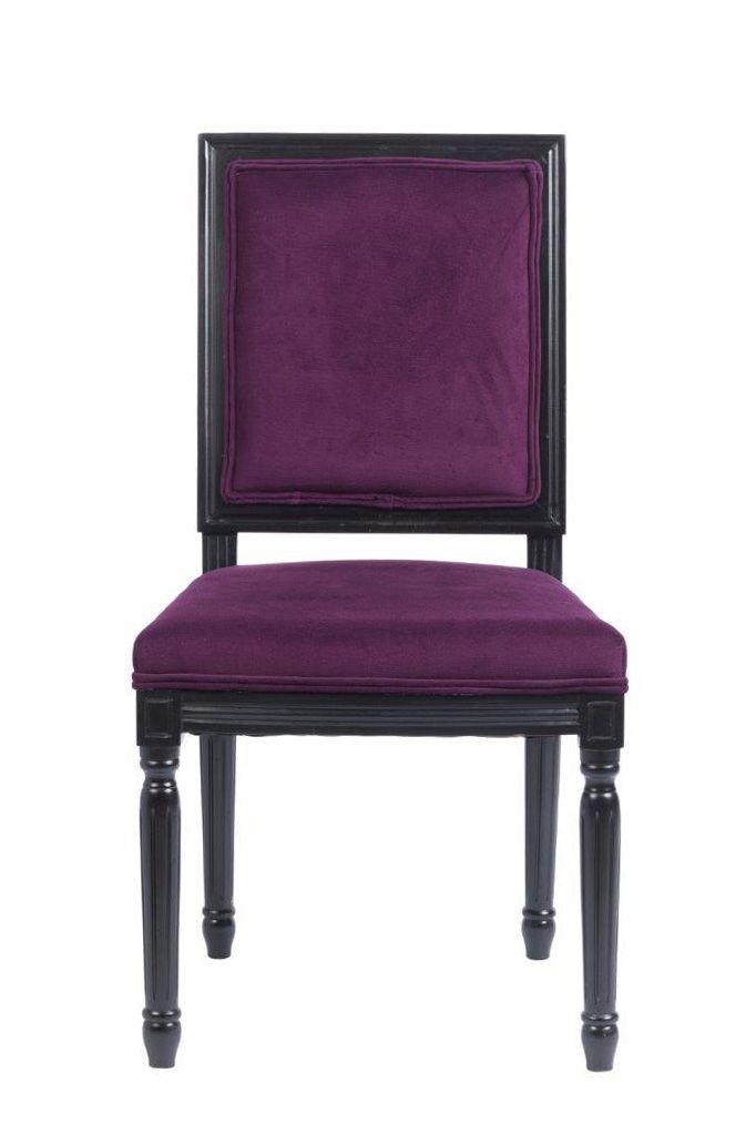 Это модель для ценителей готического стиля в интерьере. Цветовая гамма стула – достаточно редкое сочетание темного фиолетового и черного. Также у стула особенная форма, спинка и сиденье прямоугольные, зато ножки – необычные, резные, с оригинальными элементами декора. Стул отлично подойдет как для столовой или кухни, так и для рабочего кабинета в темной цветовой гамме.             Метки: Кухонные стулья.              Материал: Ткань, Дерево.              Бренд: DG Home.              Стили…