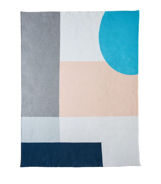 The Alpha Classic Blanket Poseidon/Light Marle/Glacier Grey/Norse/Peach Parfait/Snow White Find here: http://kateandkate.com.au/shop/blankets/alpha-classic-blanket-poseidon-light-marle-glacier-grey-deep-lake-peach-melba-snow-white/