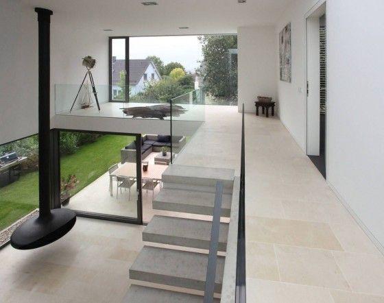 Sala con techo a doble altura