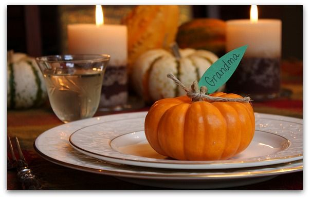 cute and easy thanksgiving placecards: Holiday, Thanksgiving Dinner, Idea, Place Setting, Place Cards, Table Setting, Thanksgiving Table, Pumpkin Place