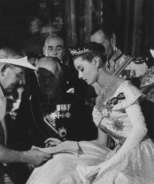 """Audrey Hepburn (May 4, 1929 - January 20, 1993)  checking the script with the director while filming """"Roman Holiday"""" in 1953. age 24. #actor"""