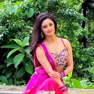 Rashmi Desai (Actress) Profile with Bio, Photos and Videos - Onenov.in