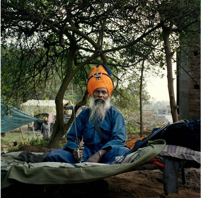 THE SIKH NUGGET: Bole Sol Nihal: Portraits of the Nihang Sikhs the Eternal Army