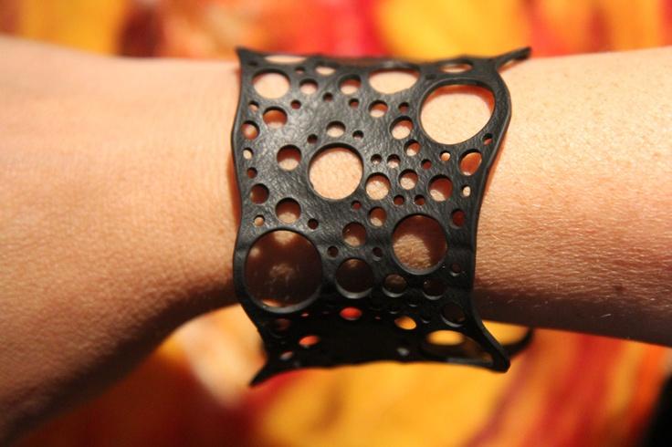 armband van rubber filigrain