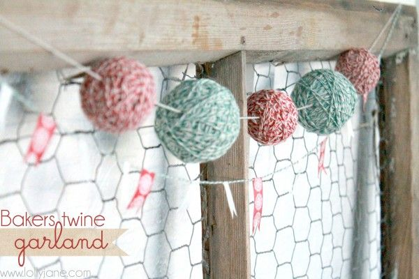 Holiday Bakers Twine Garland {#DIY Christmas Craft}