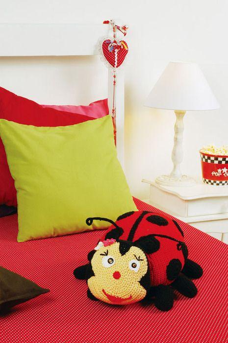 LADYBUG PILLOW .....FREE PATTERN | CrochetRibArt