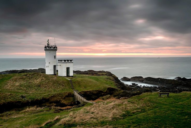 #Sunset over Elie #lighthouse By Alan Sinclair https://500px.com/photo/90518047