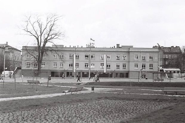 Stary Białystok i nie tylko - architektura w obiektywie Edwarda Micala. Szpital Chorób Płuc na ulicy Warszawskiej. Widok od strony Alei 1 Maja