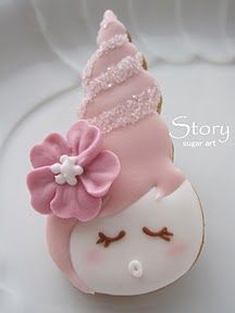 Too sweet! Looks like it is made from a sea shell cookie cutter