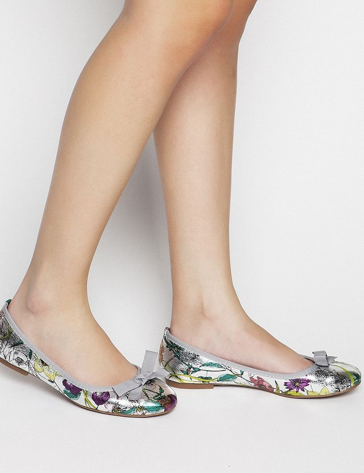 Spring Summer New Collection - Nelly Silver #keepfred #fred #ballerinas #shoes #outfit #style #fashion #new #collection #spring #colors #women #look #flat #flatshoes #silver