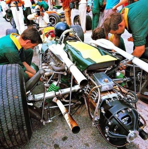 Jim Clark (Lotus-BRM 43) essais du Grand Prix d'Italie - Monza...