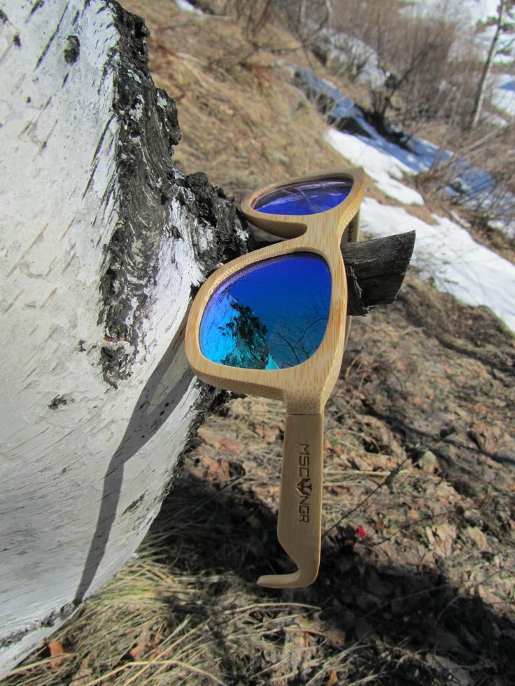 Gafas MOSCA NEGRA SUNGLASSES Gafas de sol de madera y de bambú www.moscanegrasunglasses.com #gafasdemadera #gafasmadera #ulleresdefusta #woodsunglasses #lentesdemadera #oculosdemadeira #occhialiinlegno #egurrabetaurrekoak #holzglaser #deslunettesdebois #ochelaridelemn #деревянныеочки #lentes #lentesdemadera #gafasdecolor #gafasconlentesdecolor Gafas con lentes de colores al mejor precio www.moscanegra.com