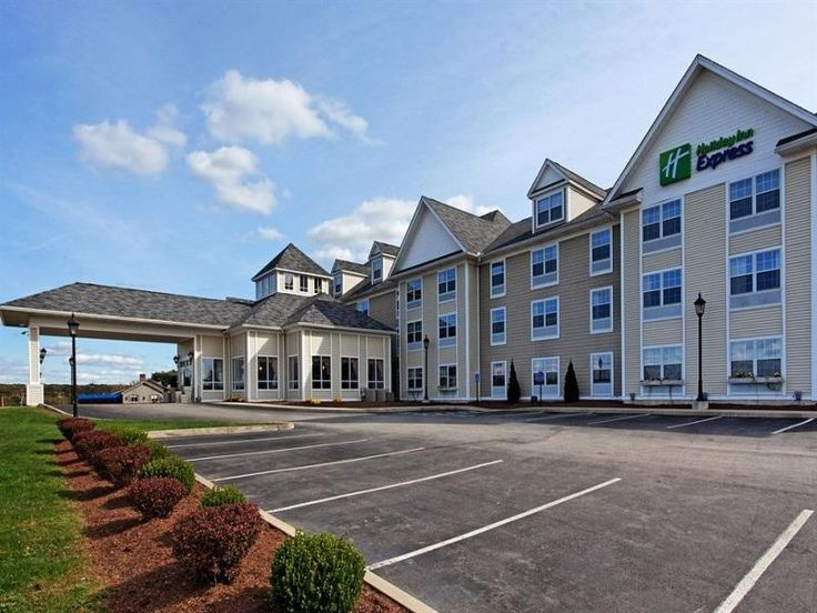Mystic (CT) Holiday Inn Express Mystic Hotel United States, North America Stop at Holiday Inn Express Mystic Hotel to discover the wonders of Mystic (CT). The hotel offers a high standard of service and amenities to suit the individual needs of all travelers. To be found at the hotel are free Wi-Fi in all rooms, facilities for disabled guests, Wi-Fi in public areas, car park, business center. Non smoking rooms can be found in selected guestrooms. To enhance guests' stay, the h...