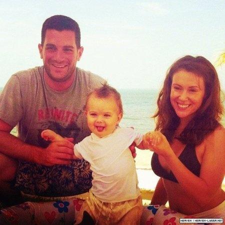 Alyssa Milano, David Bugliari et leur fils Milo Thomas âgé de 11 mois & demi !