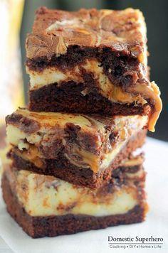 Brownies de cheesecake y caramelo de Milky Way | 37 Increíblemente deliciosas recetas de brownies