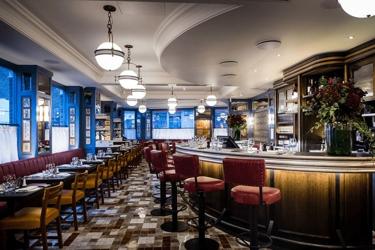 The Ivy Café: The Ivy's informal Marylebone café, with half the tables reserved for walk-ins