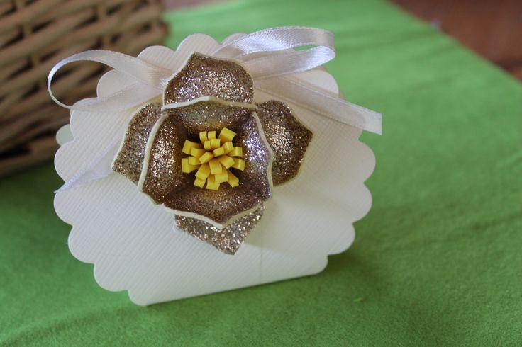 Scatolina bomboniera con fommy fiore glitter cabif kreare