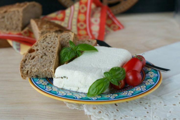 Macadamia Nut Spreadable Pepper-Herb Feta [Vegan] | One Green Planet