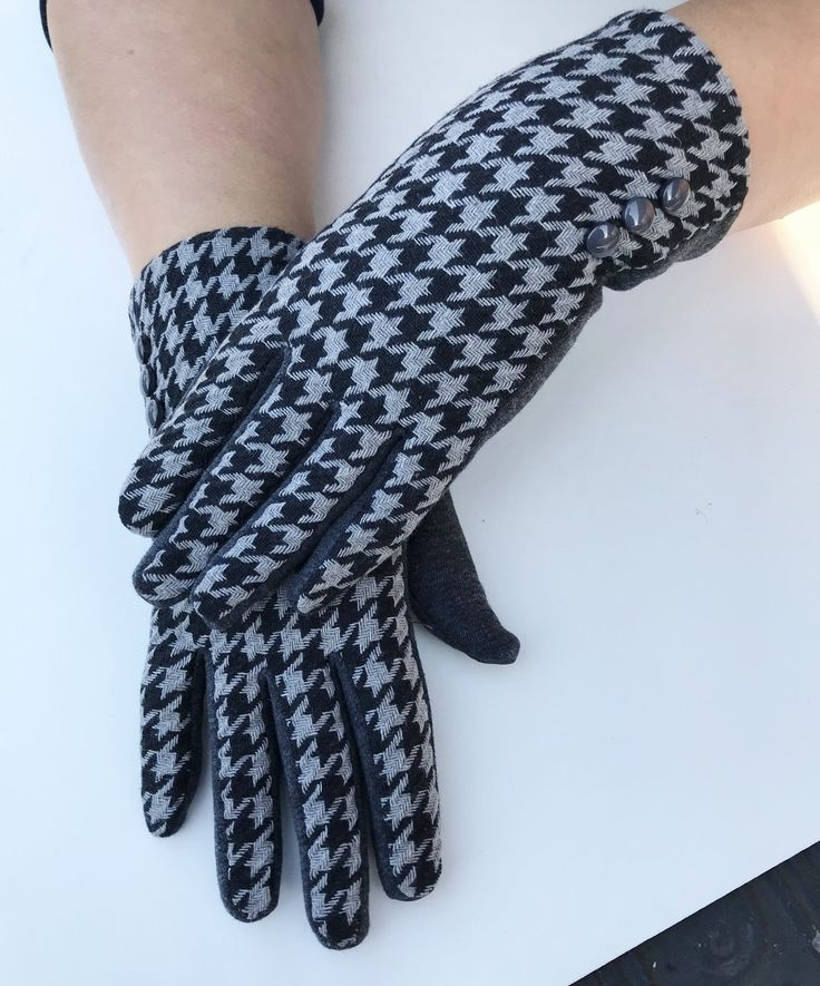 Womens Winter Fashion Grey And Black Touch Screen Outdoor Warm Gloves #gloves #fashion #fashionaccessories #fashiongloves #wintergloves #dressy #dressygloves