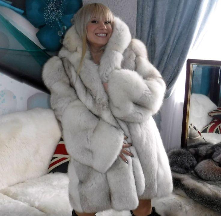 239 best Beautiful Blue Fox Furs images on Pinterest | Fox fur ...