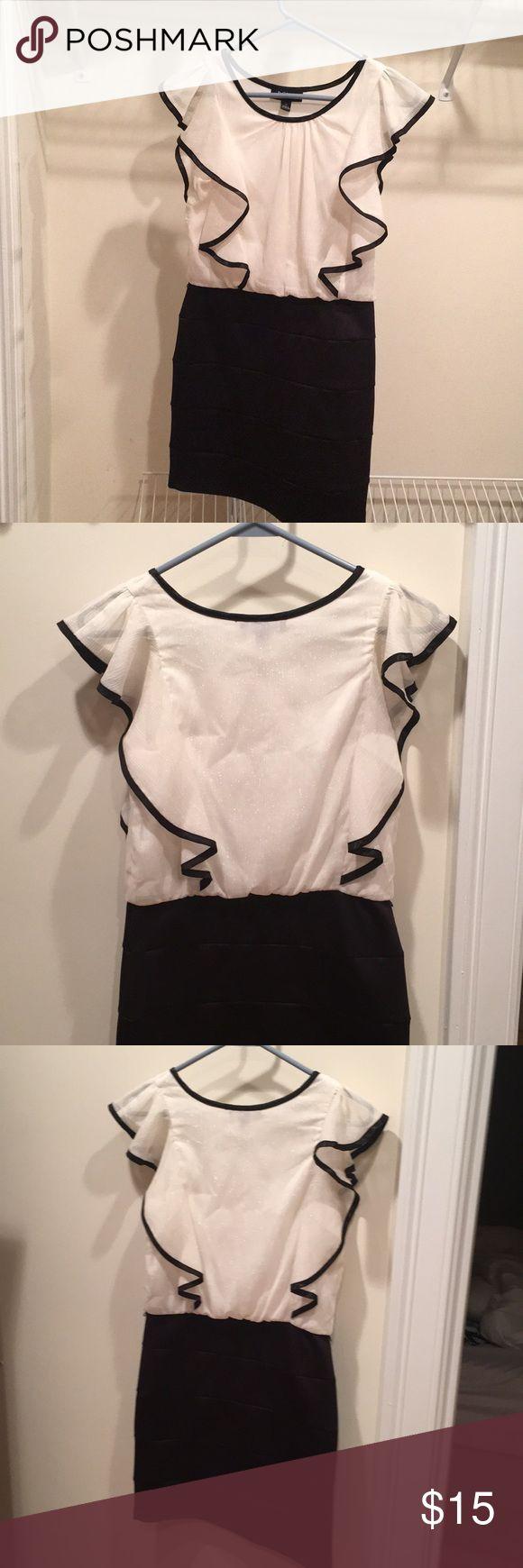 Black and white BCX girl dress. Girls 14 Girls size 14 black and white formal dress. BCX girl Dresses Formal