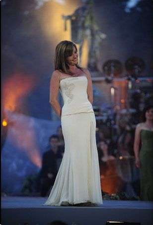 Lisa Kelly - Celtic Women     LOVE CELTIC WOMEN  THESE KIND OF WOMEN MADE ME PROUD, TO BE A LADY.