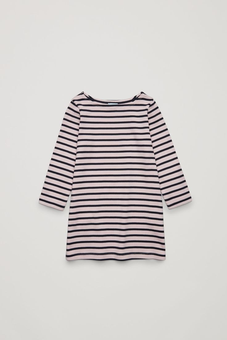 Made from soft, organic cotton jersey, this casual dress has an all-over striped pattern. Designed for everyday wear, it is a relaxed fit with neat long sleeves and a wide boat neckline.