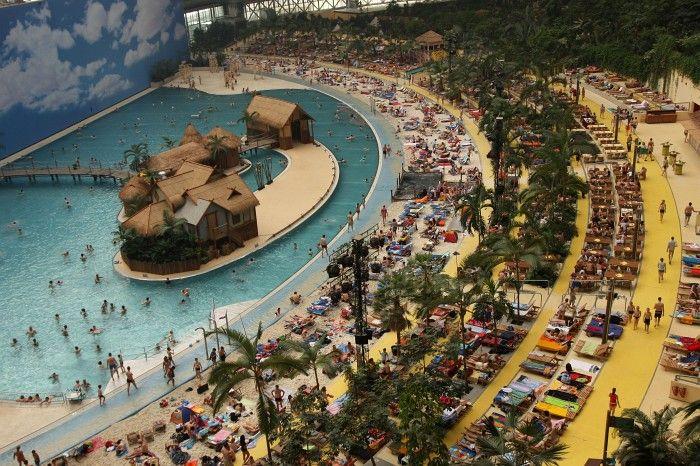 Tropical Island Berlijn Hotels Near
