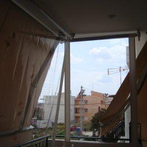 Ζελατίνα σε μπαλκόνι