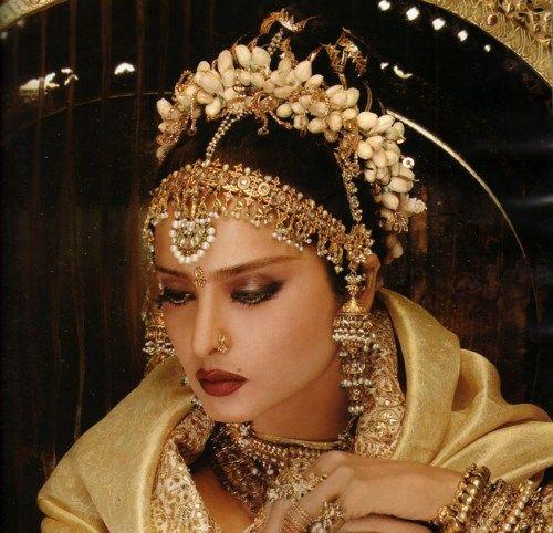 Rekha in gold