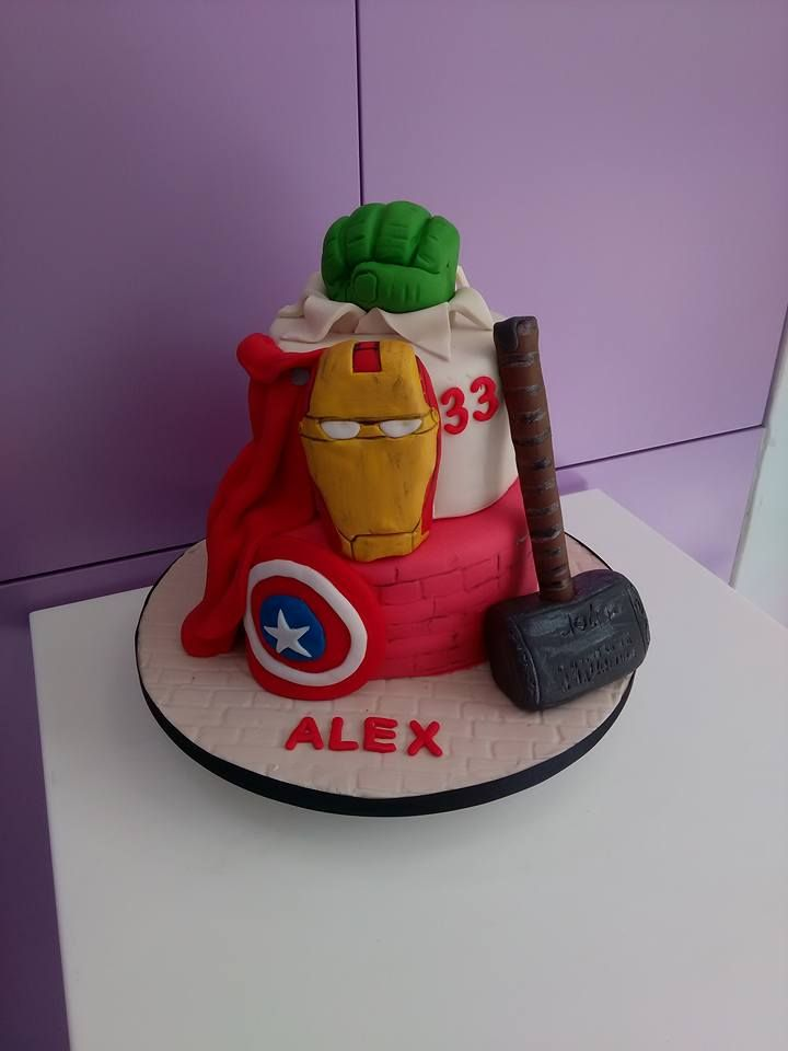 Marvel heroes cake