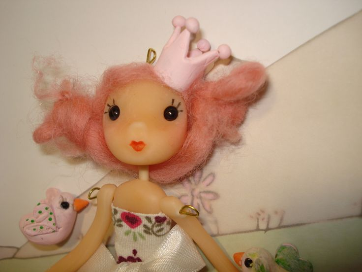 muñeca de porcelana fría