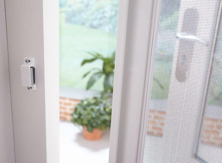 Naast horren voor ramen zijn er natuurlijk ook horren voor deuren bij Bruynzeel ;) En wist je dat we ook horren hebben met anti-pollengaas? Dat scheelt in het hooikoortsgezien een boel gekriebel!