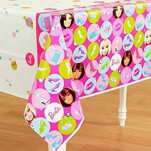 A579379 - Barbie Tablecover Tablecover Barbie Dots (182cm x 137cm.) Please note: approx. 14 day delivery time.
