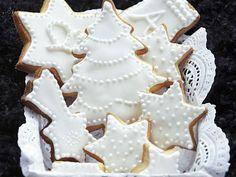 Weiße Plätzchen mit Zuckerglasur ist ein Rezept mit frischen Zutaten aus der Kategorie Plätzchen. Probieren Sie dieses und weitere Rezepte von EAT SMARTER!