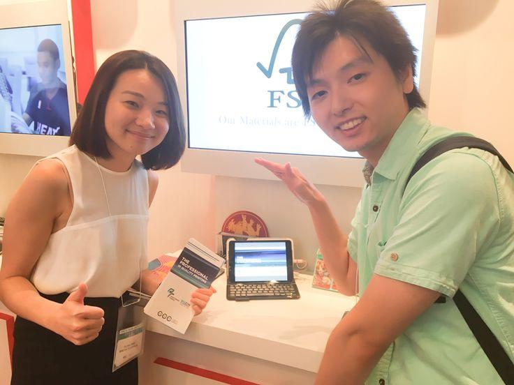 特番『TOKYO GAME SHOW 2016』特集!(2016/09/26 更新)◇関連写真⑭ 写真は、インタビューしたマレーシアのOLIVIAさんとアリムラさん!