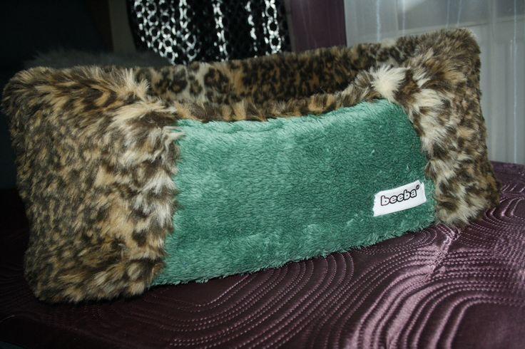 Leżanka dla Twojego pupila ręcznie wykonana z milutkiego polaru oraz sztucznego tygryskowego futerka...