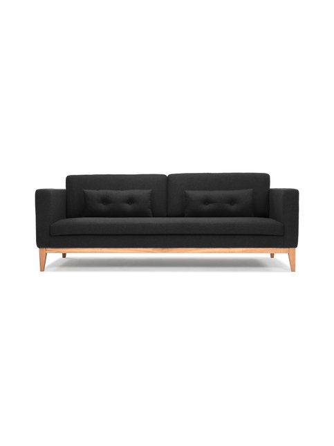 Tyylikäs ja selkeälinjainen Day-sohva on puurunkoinen ja kangasverhoitu. Klassisen hillitty ja mukavan kookas sohva sopii monentyyppiseen sisustukseen. Jalat ovat tammea ja muu runko mäntyä. Istuimet ovat vaahtomuovia. Mitat ovat (L) 220 x (K) 85 x (S) 92 cm. Istuinkorkeus on 47 cm ja istuinsyvyys 58 cm. Päällimateriaali on 67 % villaa, 26 % polyamidia ja 7 % polyesteriä. Mukana tulee kaksi tyynyä.