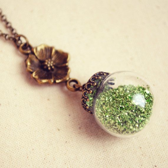 Glass Glitter Globe Necklace with Green