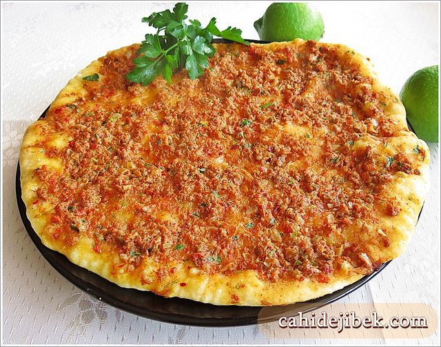 Tavada Lahmacun Tarifi: Chicken, Hamurişleri, Recipe, Casserole, Quiche, Pizza, At, Cheese, Potato