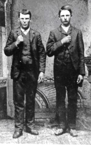 Frank and Jesse James in 1872. The James brothers were Confederate guerrillas in Missouri during the Civil War. #civilwar