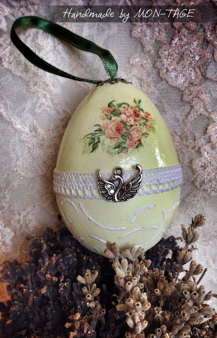 Húsvéti tojás, decoupage technikával díszítve, mérete: 9 cm. Más színben és mintával is kérhető.