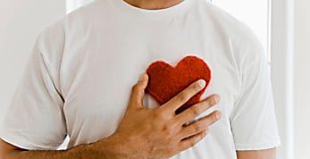 6 actitudes de un hombre enamorado en silencio