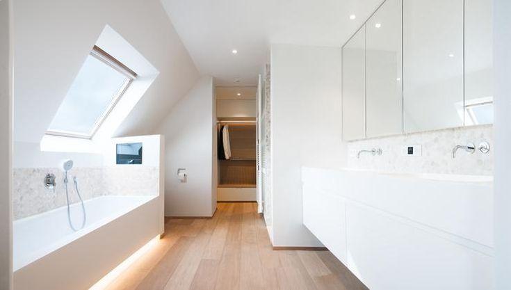 25 beste idee n over grijze badkamers op pinterest for Planner badkamer