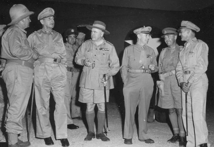 Senior Allied commanders in New Guinea in October 1942. Left to right: Mr Frank Forde (AustralianMinister for the Army); General Douglas MacArthur;General Sir Thomas Blamey; Lieutenant GeneralGeorge C. Kenney; Lieutenant General Edmund Herring; Brigadier General Kenneth Walker